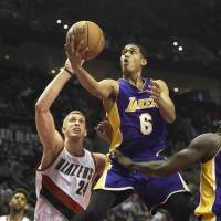 Blazers heap more misery on Lakers