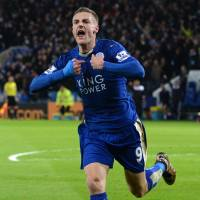 Vardy breaks scoring record as Leicester draws with United