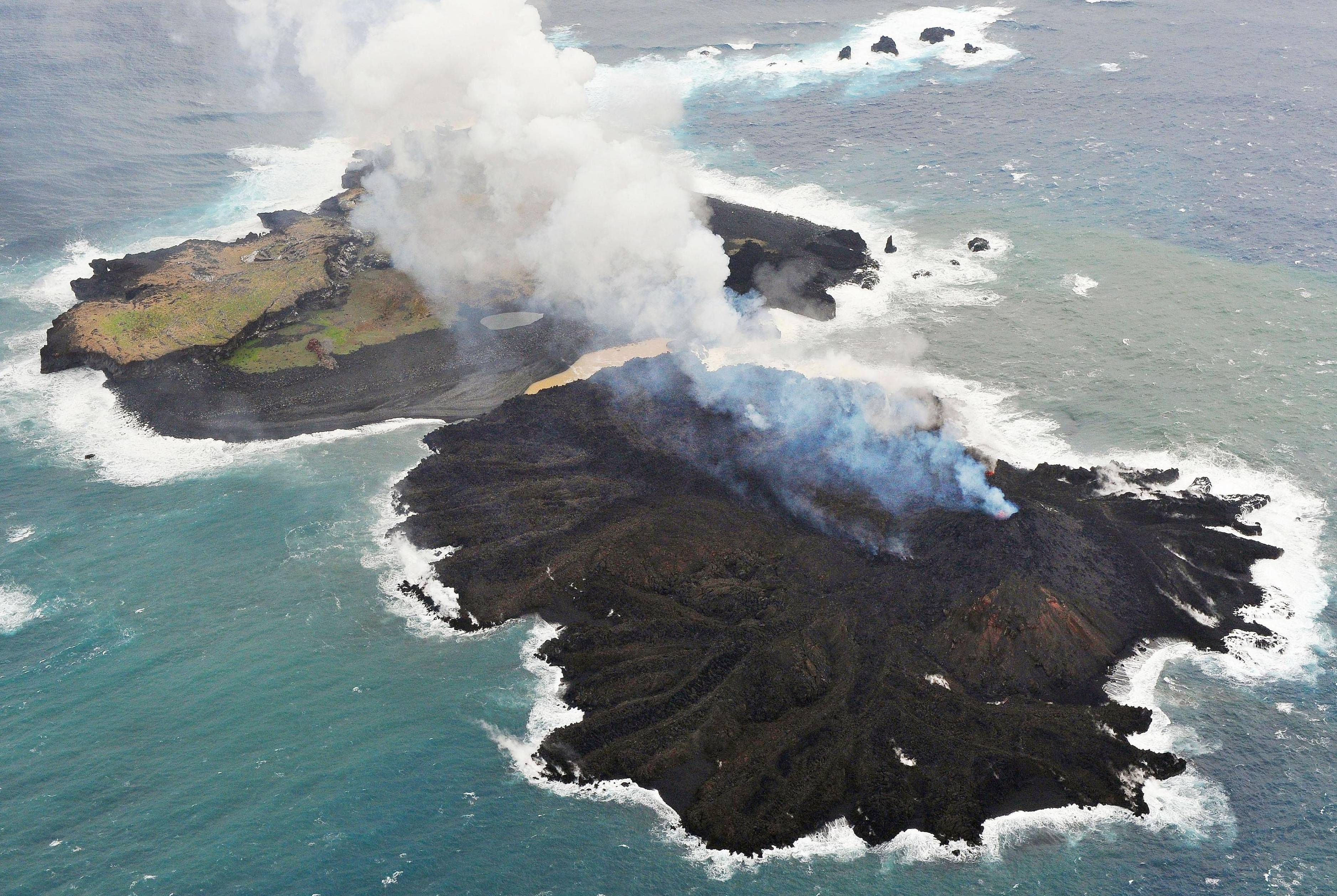 New volcanic islet joins with nearby Nishinoshima | The ...