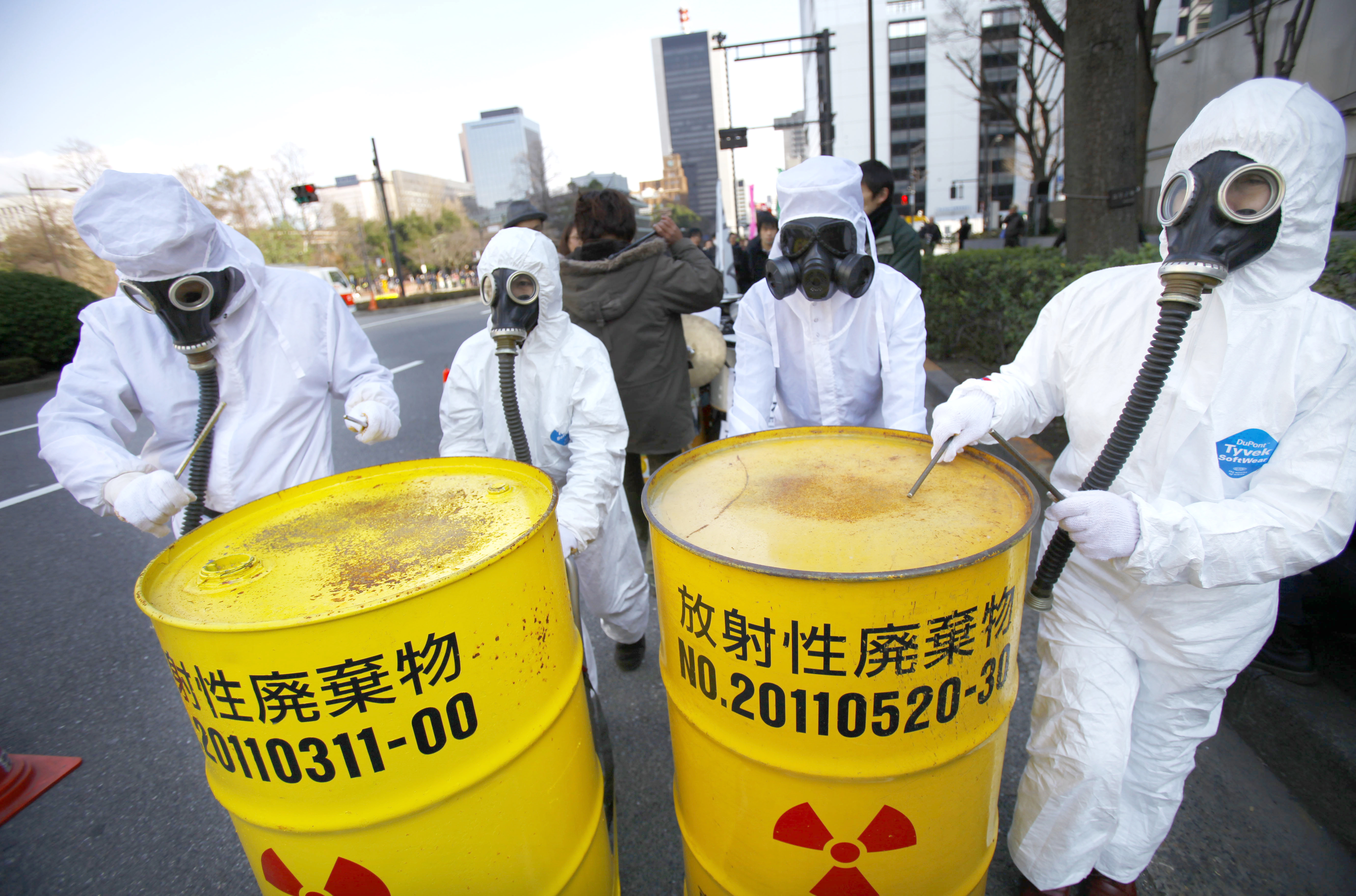 Nuclear waste buildup relentless | The Japan Times
