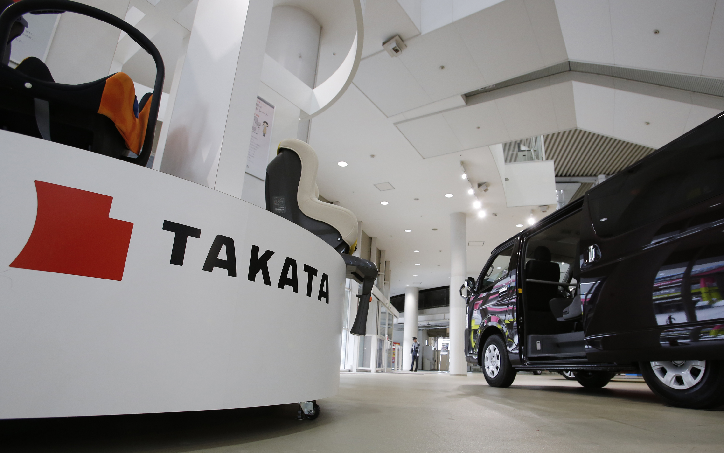 takata widens loss forecast as air bag recalls mount the japan times. Black Bedroom Furniture Sets. Home Design Ideas