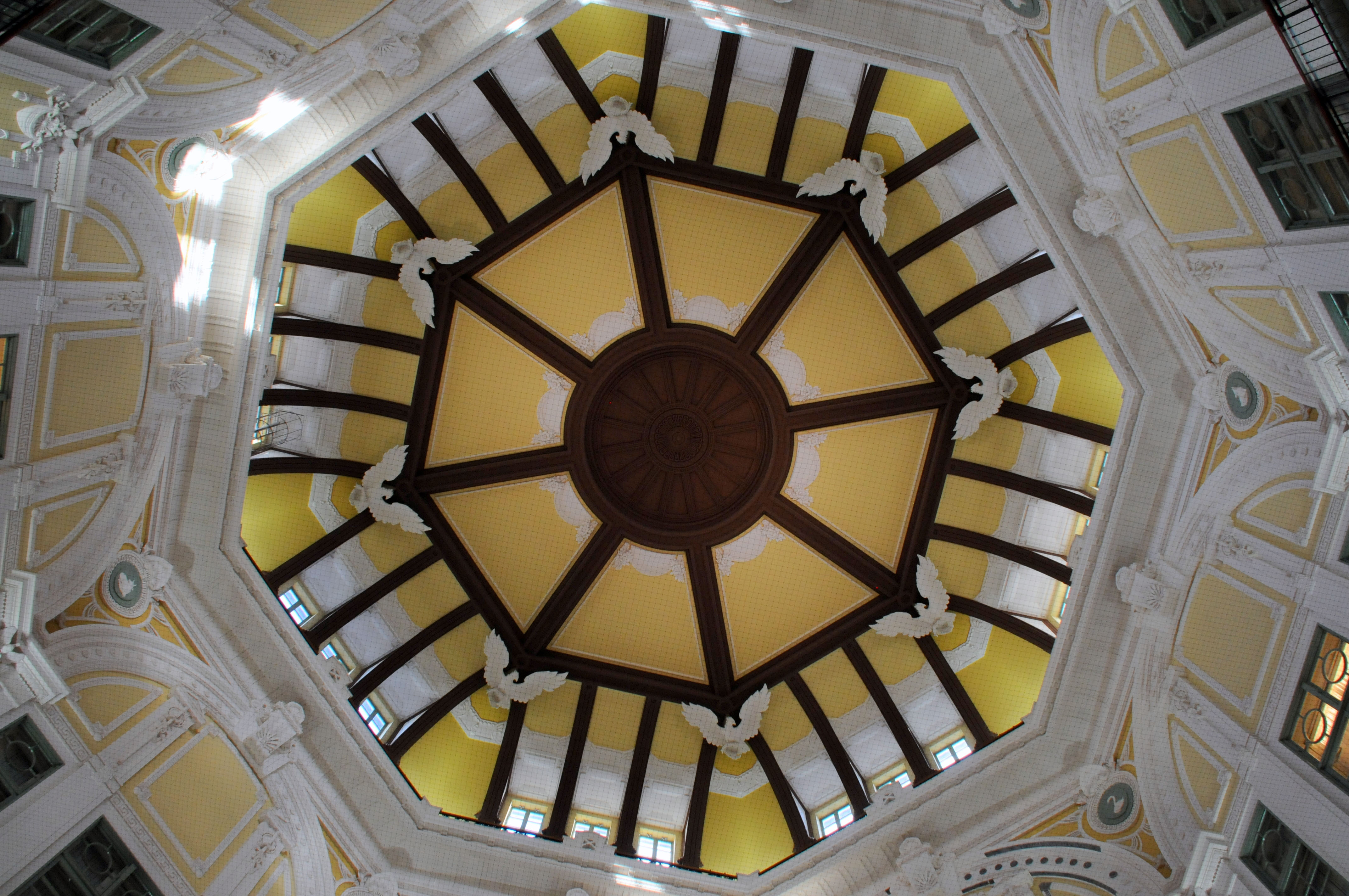 The interiors of the domes that adorn JR Tokyo Station were recently refurbished.