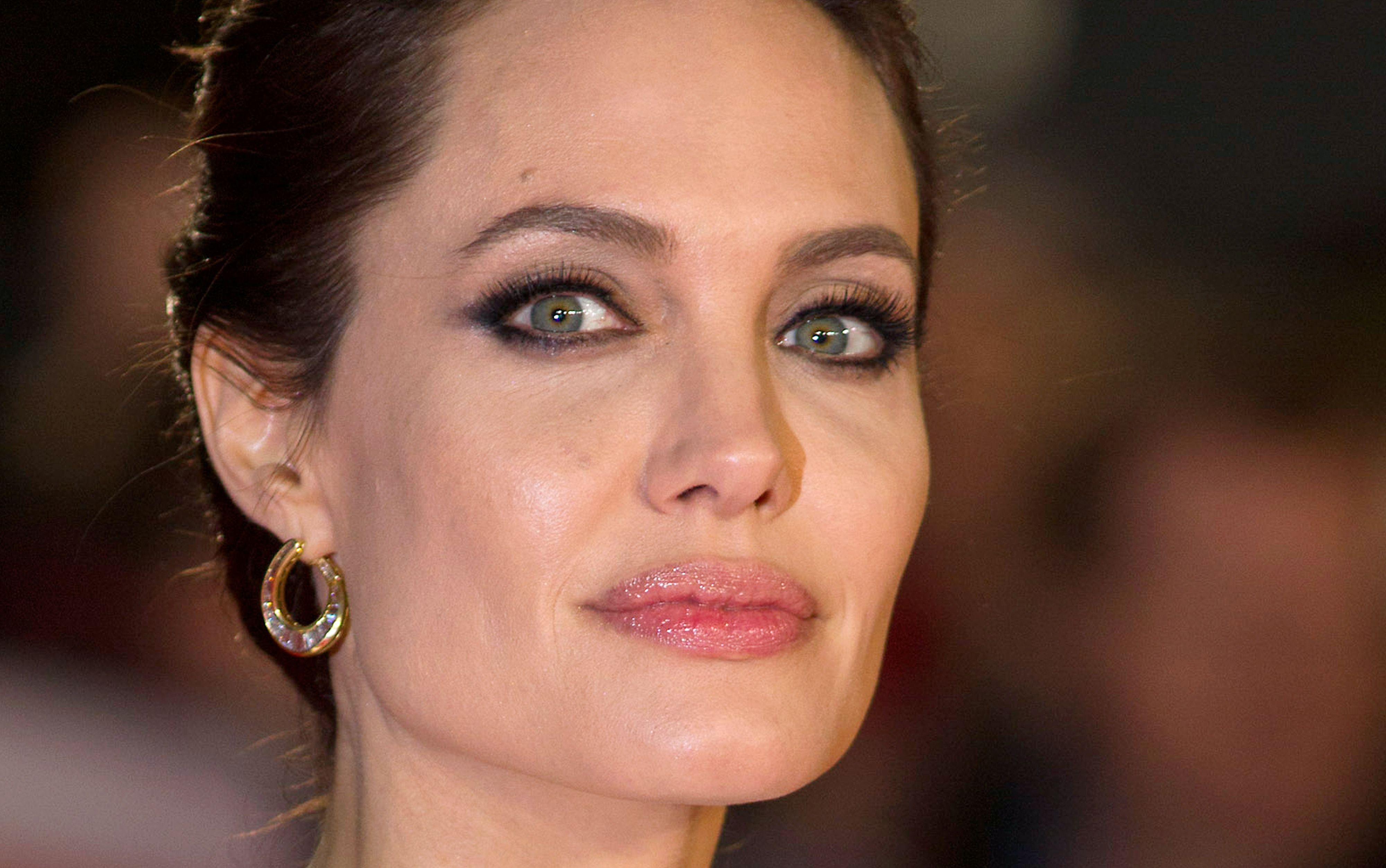Cancer Experts Laud Angelina Jolie S Decision To Remove Ovaries The