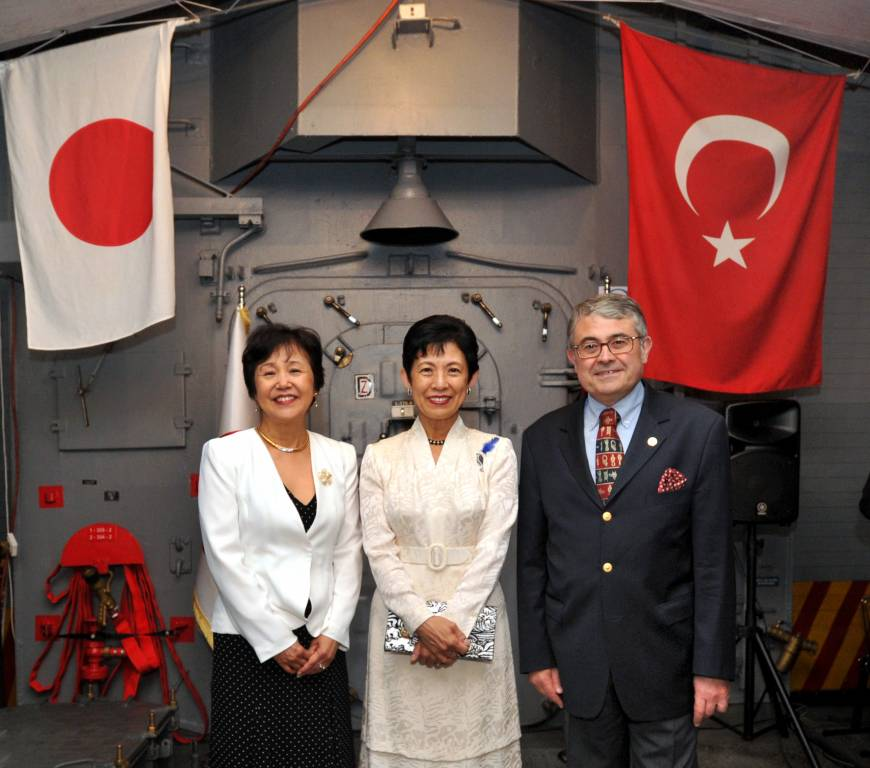 Turkish Ambassador Ahmet Bulent Meric (right) and his wife, Kumiko (left), welcome Princess Takamado during a reception to celebrate the 125th anniversary of the 1890 rescue of crew members from the Turkish warship Ertugrul, aboard the Turkish frigate TCG Gediz, at Harumi Pier in Tokyo on June 6.