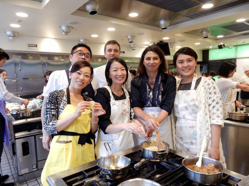 Rita Mannella Giorgi (second from right), the wife of the Italian ambassador, teaches students traditional Italian cooking at the Hattori Nutrition College on June 6.