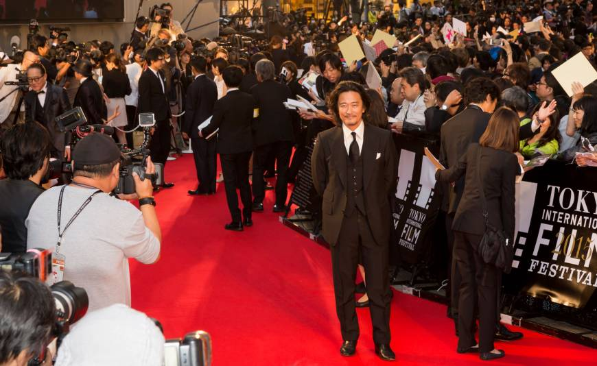 Actors and directors do the the red carpet shuffle before the opening ceremony of the 2015 Tokyo Film Festival, being held until Oct. 31 in Roppongi Hills and other venues.