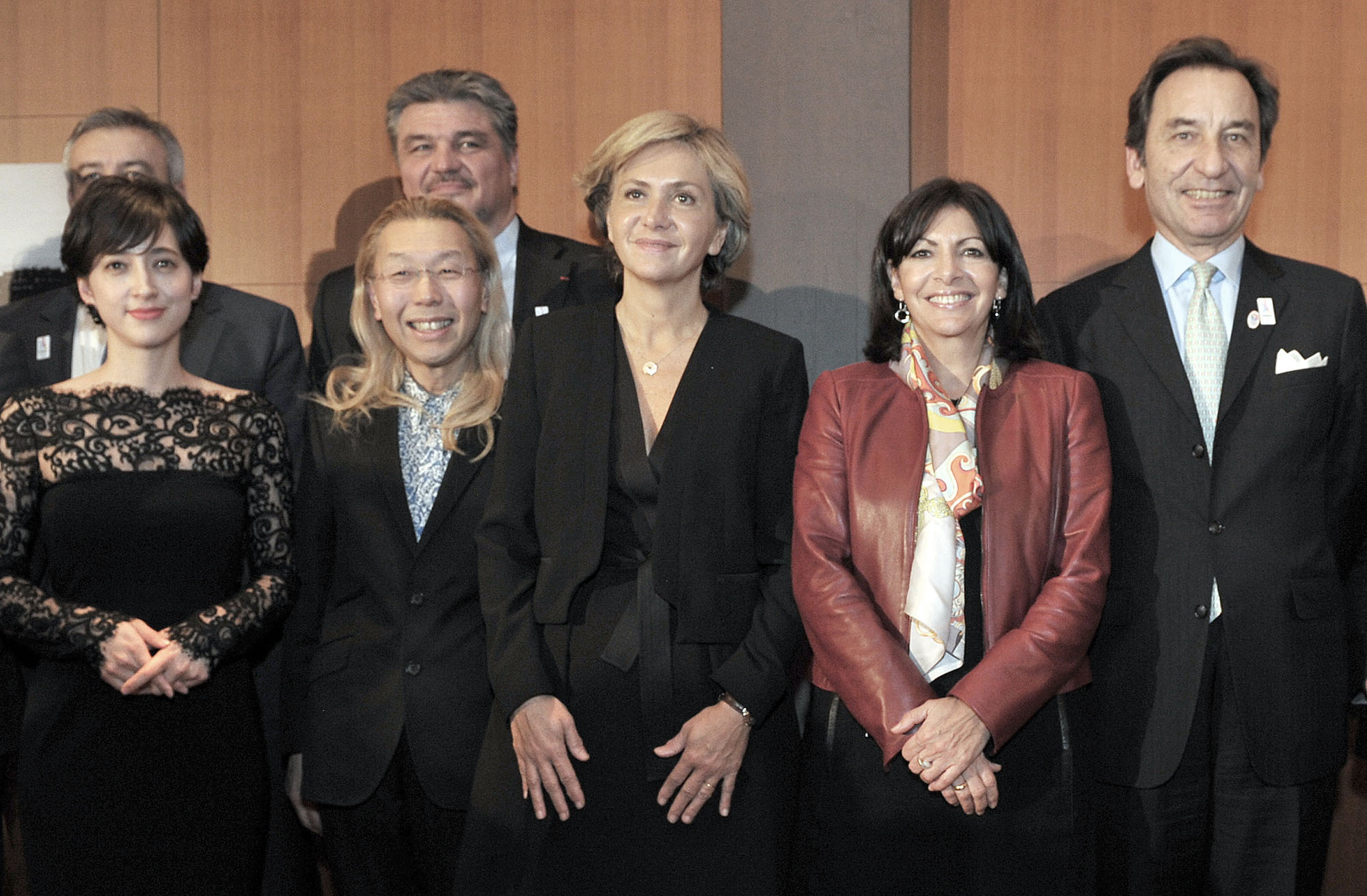 Paris Mayor Anne Hidalgo (second from right) is joined by President of the Regional Council of Ile-de-France Valerie Pecresse (third from right); (from left) 2008 France sightseeing goodwill ambassadors TV announcer Christel Takigawa and flower arranger Shogo Kariyazaki; and French Ambassador Thierry Dana at a press conference held to invite Japanese tourists to France, at the Ambassador's residence on Feb. 29. | YOSHIAKI MIURA