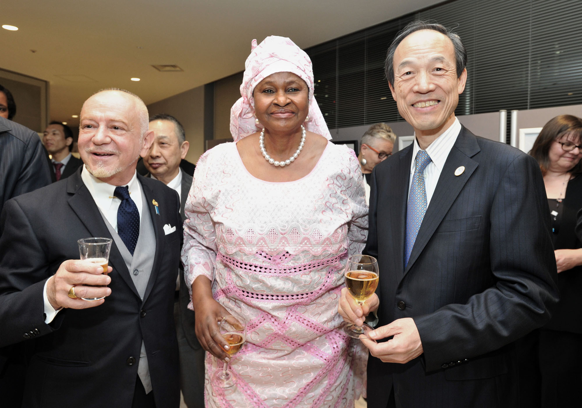 Namibia Ambassador Sophia-Namupa Nangombe (center) poses with Dean of the African Diplomatic Corps. and San Marino Ambassador Manlio Cadelo (left) and  Minato Ward Mayor Masaaki Takei during a reception to celebrate the 26th anniversary of Namibia's National Day at the Akasaka Regional City Office in Tokyo on March 24. | YOSHIAKI MIURA