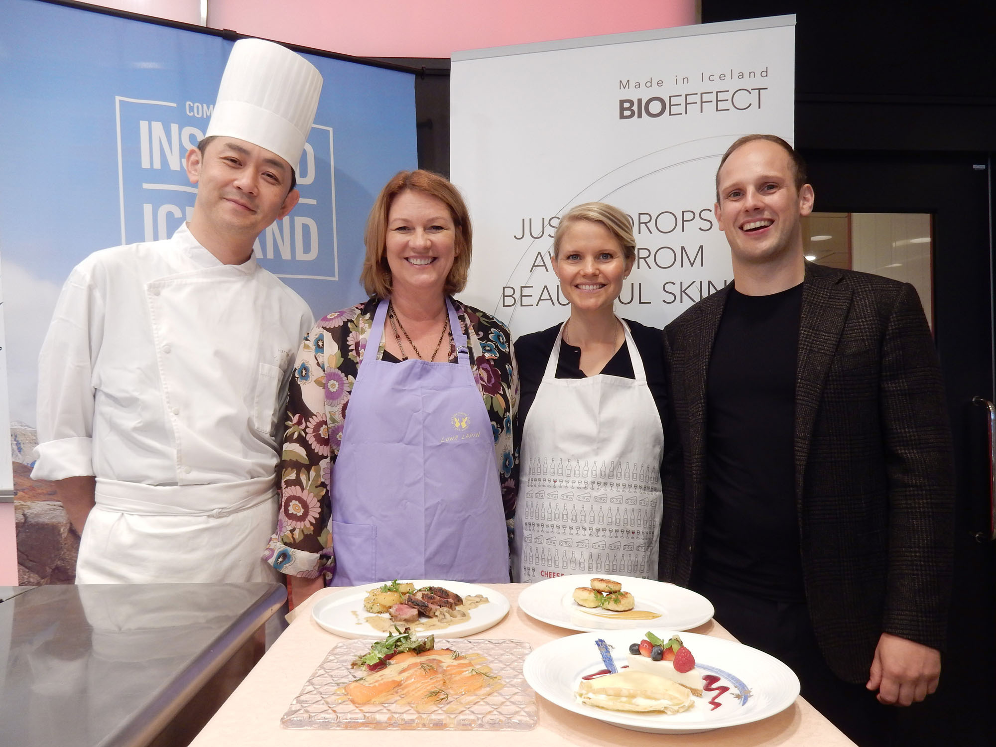 The wife of the ambassador of Iceland, Gudrun Solonsdottir (second from left) poses with the Chairman of Icelandic Chamber of Commerce in Japan and CEO of Takanawa Cosmetics Bolli Thoroddsen (right), his wife Asta Fjeldsted (third from left) and chef Yusuke Odaka during an Icelandic culinary and beauty lesson at Hattori Nutrition College on Sept. 3. | MAKI YAMAMOTO-ARAKAWA