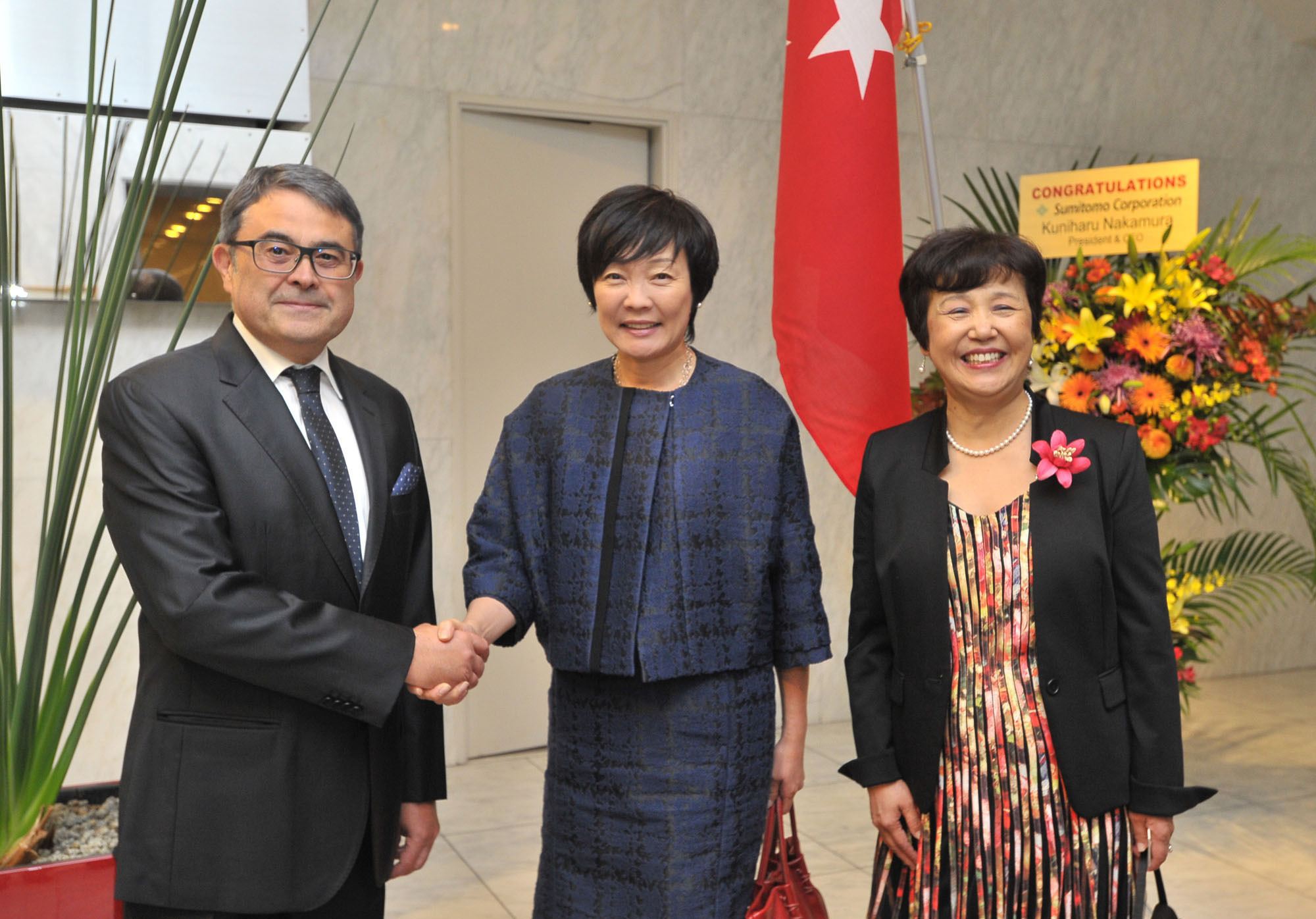 Turkey's Ambassador Bulent Meric (left) and his wife Kumiko (right) pose with first lady Akie Abe during a reception to celebrate the 93rd Turkish National Day at the ambassador's residence in Tokyo on Oct. 28. | YOSHIAKI MIURA