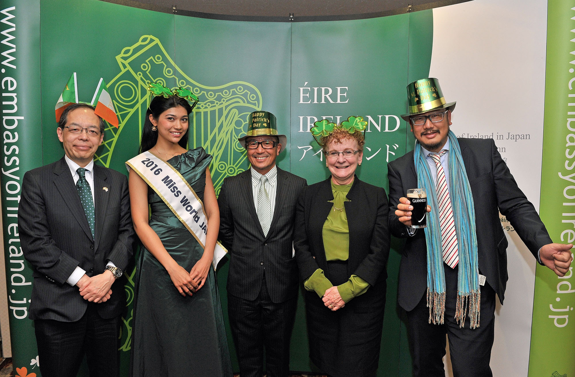 Ireland's Ambassador Anne Barrington (second from right) poses with (from left), Ireland Japan Chamber of Commerce Vice President and Chairperson of the I Love Ireland Festival 2017 Committee Yoshihiro Tsuchiya; Miss World Japan 2016 Priyanka Yoshikawa; La Ditta Ltd. Senior Vice President of Operations Taka Daiya; and La Ditta Ltd. Founder and Managing Director Harry Hakuei Kosato during a press conference at the Japan Press Center on Feb. 22 announcing St. Patrick's Day in Japan 2017, which will see 14 parades take place across Japan. | YOSHIAKI MIURA