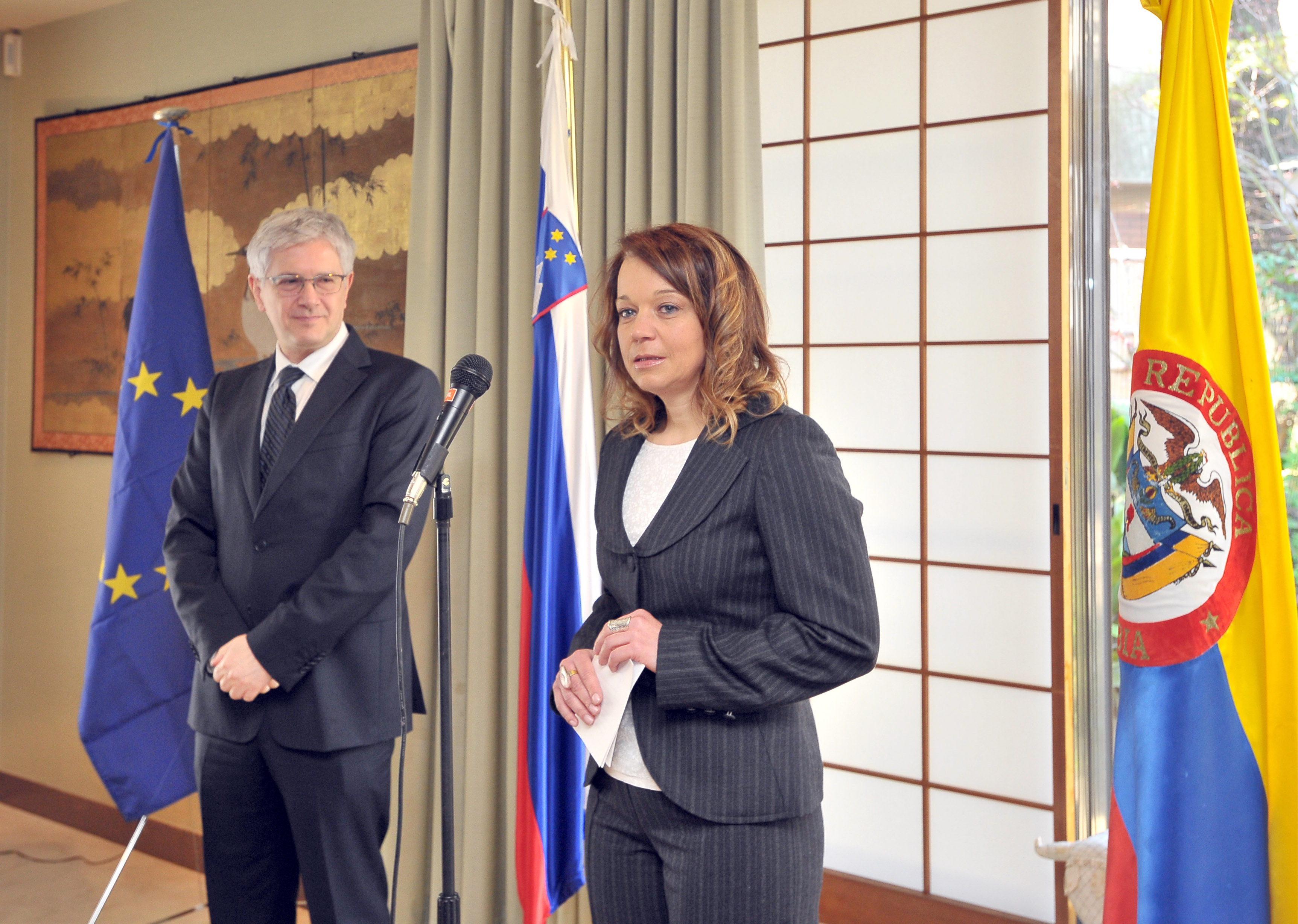 """Colombian Ambassador Gabriel Duque (left) and Slovenian Ambassador Simona Leskovar speak on the International Day of Mine Awareness and Assistance in Mine Action, explaining the """"Lend your leg'' campaign that encourages people worldwide through the symbolic gesture of rolling up a pant leg or a sleeve to raise awareness of the damage land mines still cause, while showing solidarity with all survivors of land mines and other explosive remnants of war. 