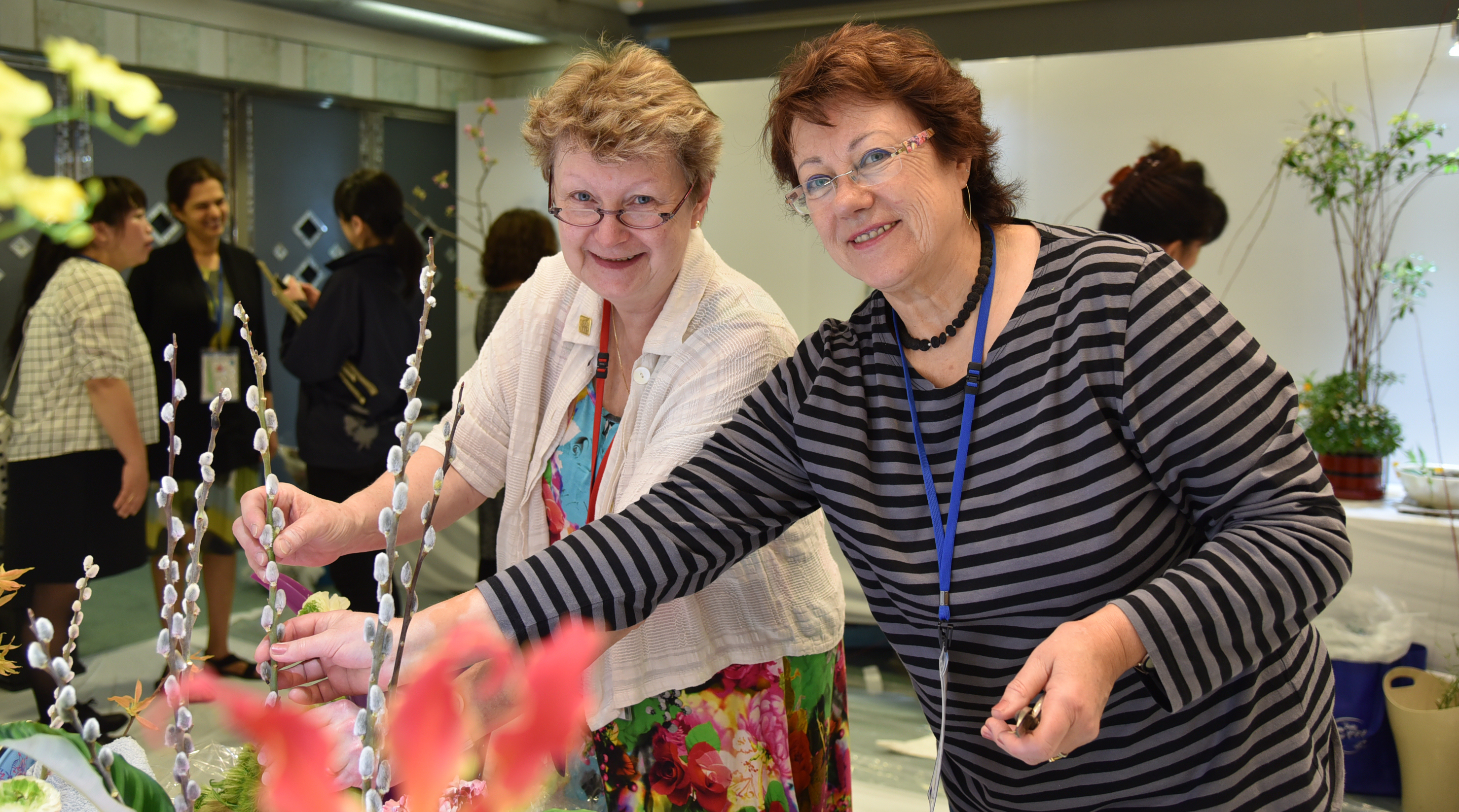 Organizers prepare for the 11th Ikebana International World Convention in Okinawa which took place at the Okinawa Convention Center on April 12 to 15. |   IKEBANA INTERNATIONAL