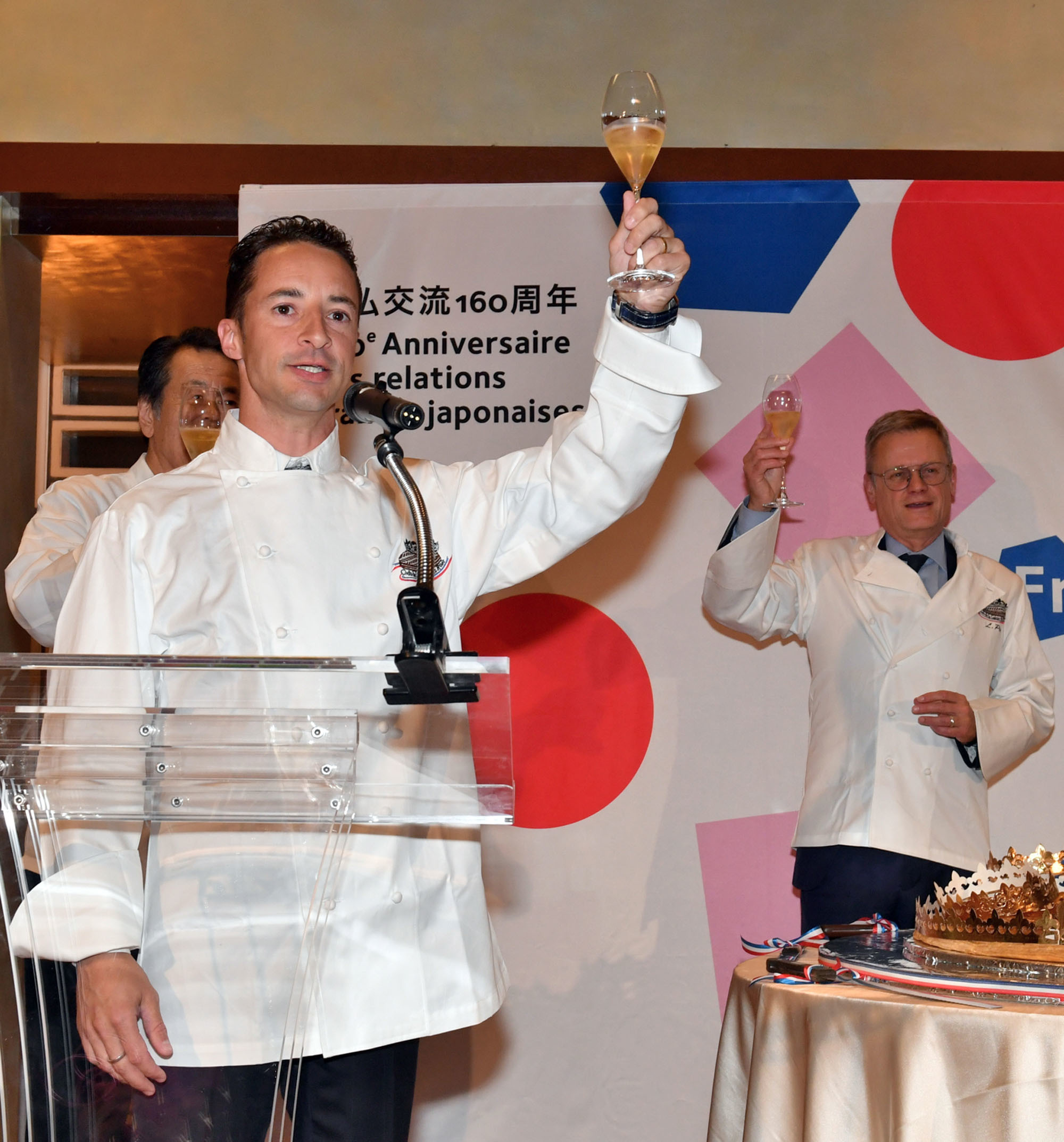 Lemaire leads a toast at the event. |  YOSHIAKI MIURA