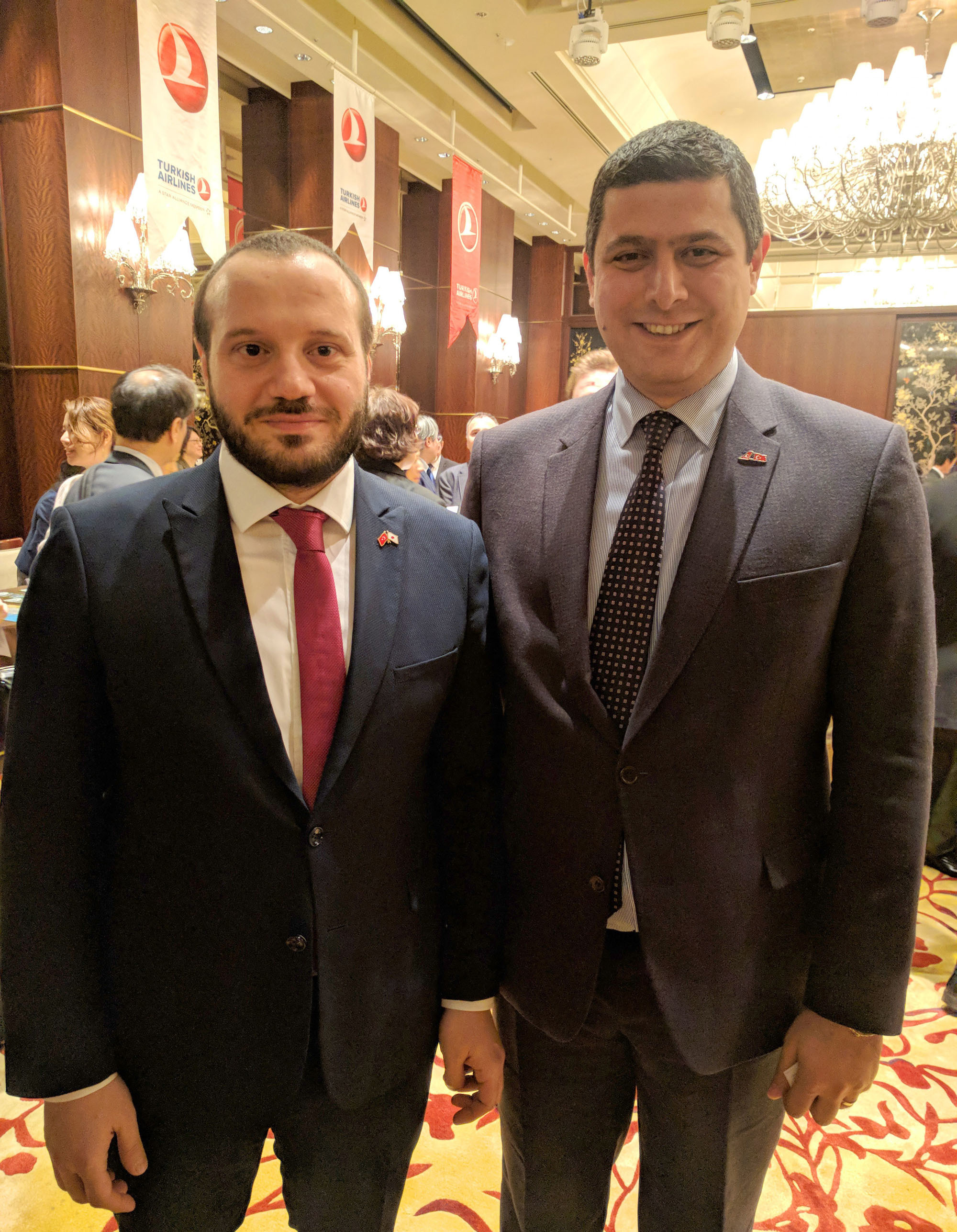 Turkish Airlines Inc. Vice President Tuncay Eminoglu (left) poses with Tokyo Mehmet Akay General Manager (right) at the workshop on Balkan, hosted by Turkish Airlines Inc. at Shangri-La Hotel Tokyo on March 19. |  SHIMPEI KISHIMOTO