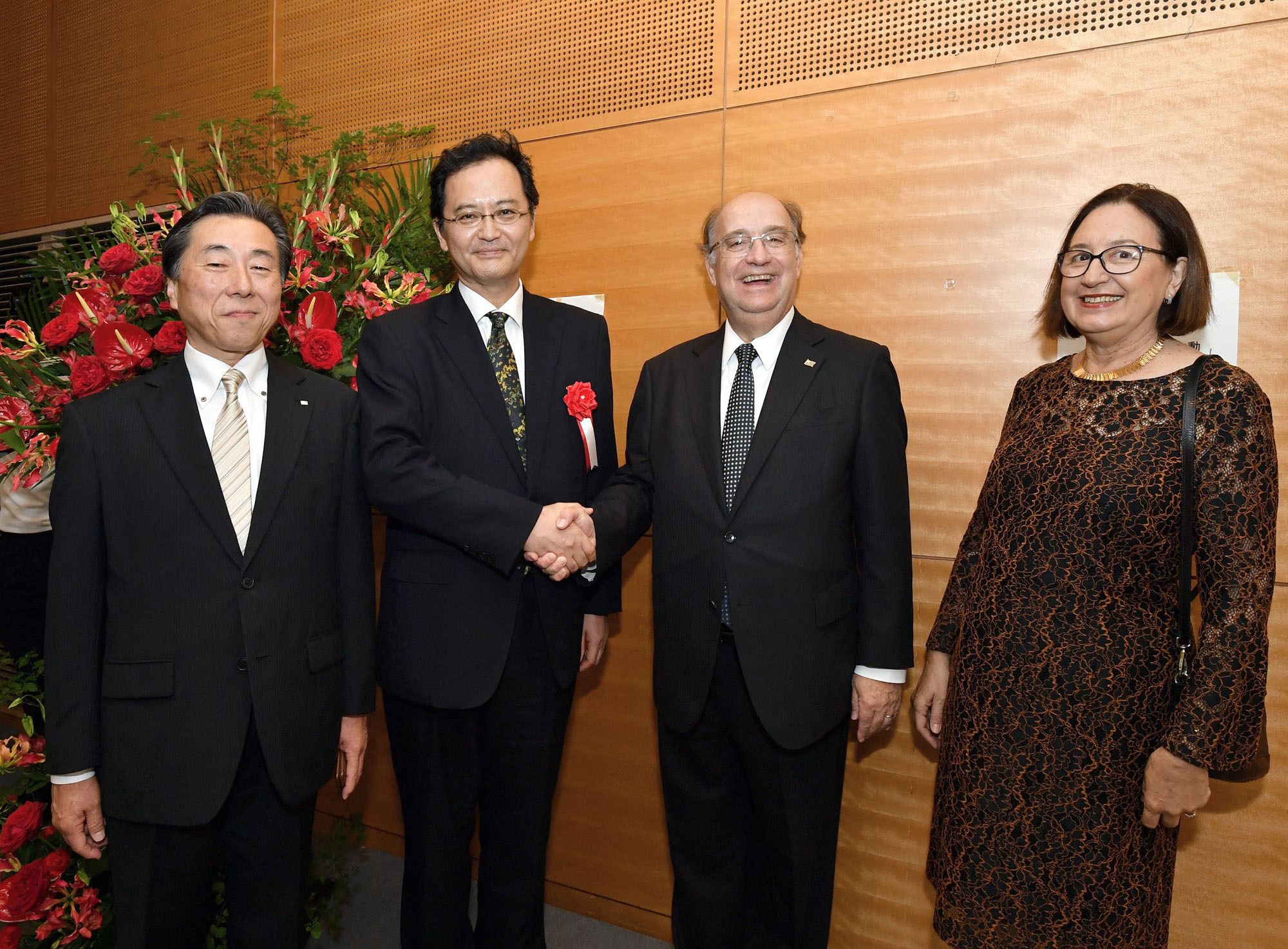 Uruguay Ambassador Cesar Ferrer (second from right) and his wife, Ana Maria, pose for a photo with Latin American and Caribbean Affairs Bureau Director-General Takahiro Nakamae (second from left) and Kazuto Ito, president of the Min-On Cocert Association, during a cocktail reception to celebrate Uruguay's independence day at the Min-On Cultural Center in Tokyo on Sept. 4. |   YOSHIAKI MIURA